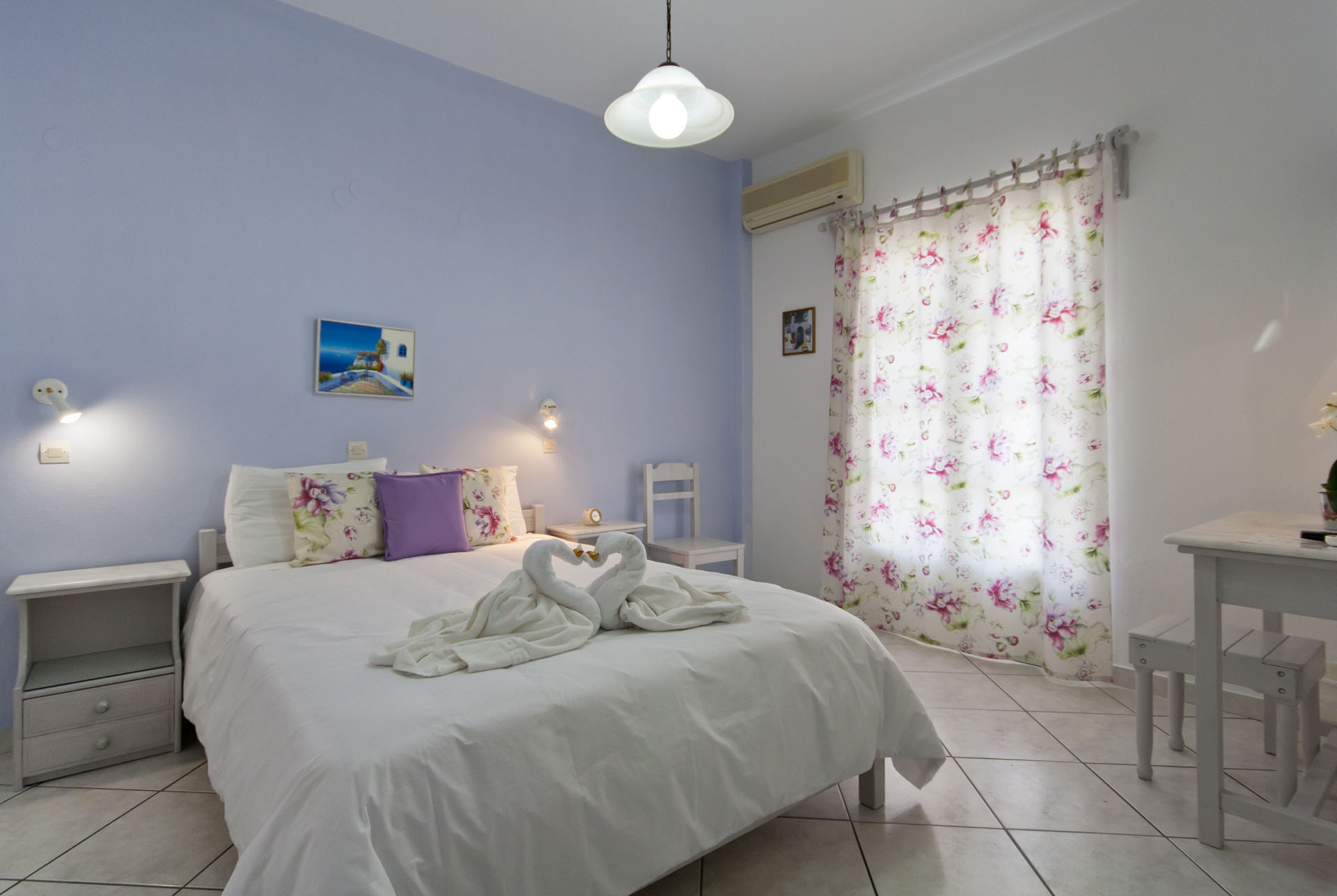Double-room-pension-sofia-bedroom