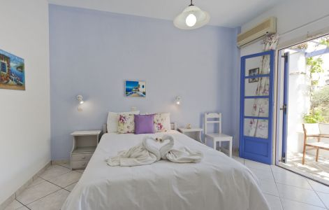 Double-room-pension-sofia-bed