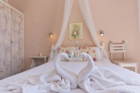 Double-room-pension-sofia-towels