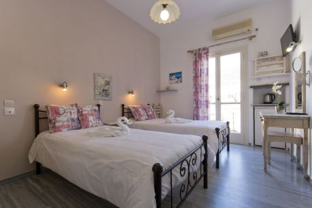 Double-room-pension-sofia-two-beds