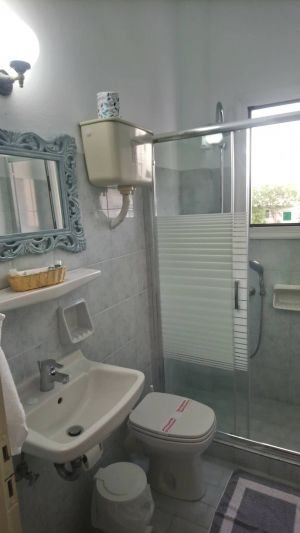 Pension-sofia-triple-room-toilet -