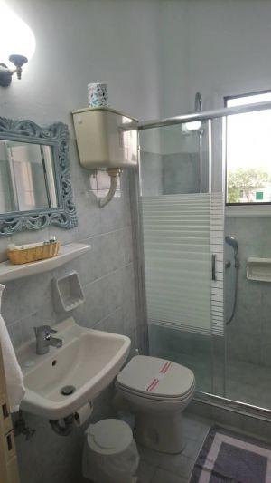 Pension-sofia-triple-room-toilet -