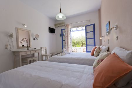Pension-sofia-triple-room