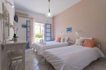 Triple-room-pension-sofia-interior