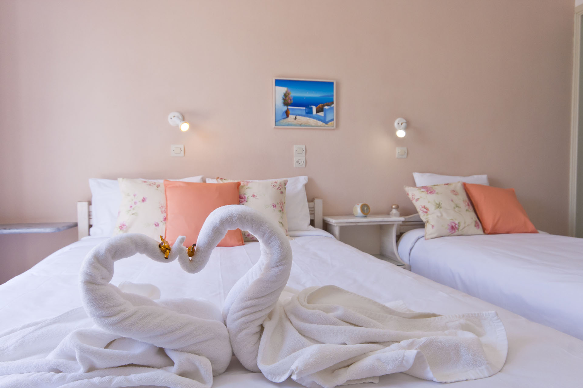 Triple-room-pension-sofia-paros